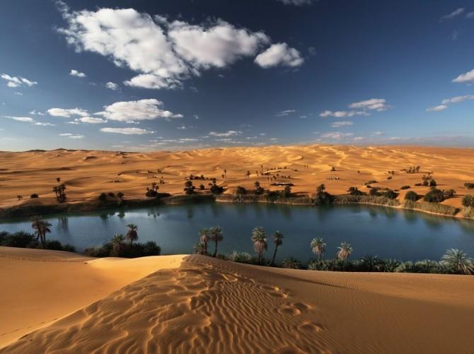 oasis in Sahara deser in Libiya