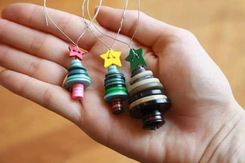 Christmas trees made by coloured buttons
