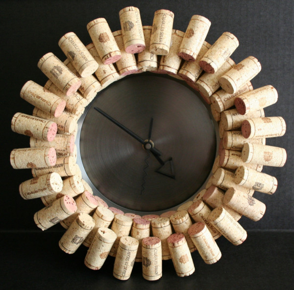 DIY Easy Wine Cork Clock