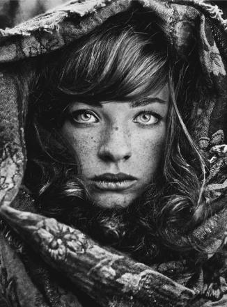 daria pitak black and white photo